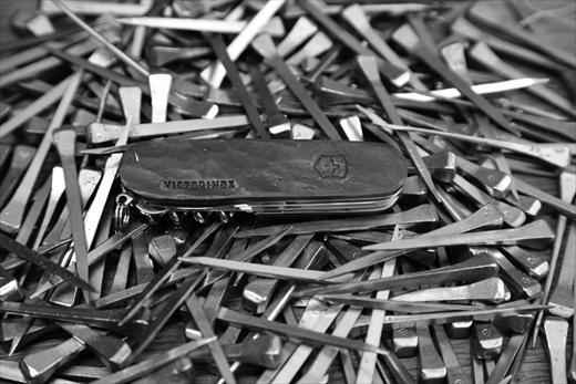 Horseshoe Nail Knife Christopher Raeburn For Victorinox