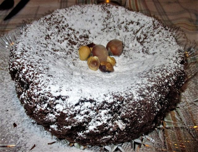 FORNELLI IN FIAMME: IMPLODED HAZELNUTS CAKE