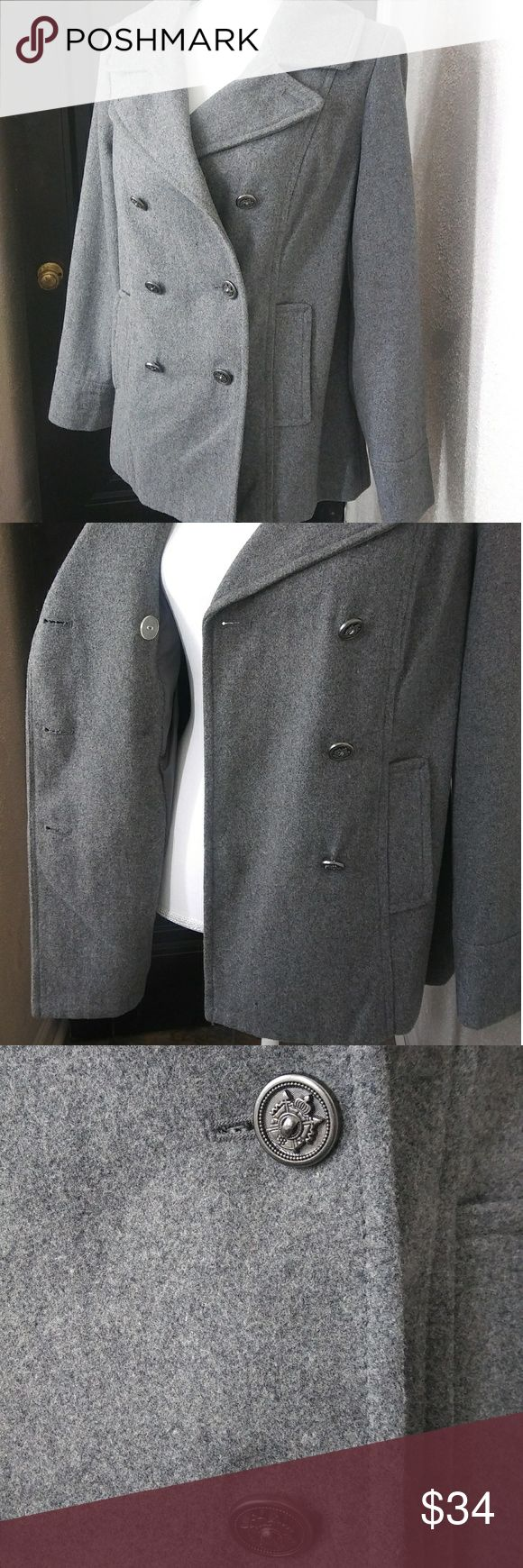 OLD NAVY Pea Coat *EUC* OLD NAVY Pea Coat. Excellent condition, no flaws. Only worn a few times. 3 large outside buttons and one inside. Pockets. Fitted in sides and back. Also, slit in back to allow for that booty ;) Old Navy Jackets & Coats Pea Coats