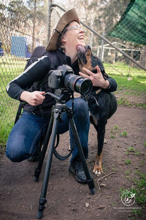 Videographer Emlyn very kindly joined Gio and I out at Renbury Farm Animal Shelter today to take some video footage of the very urgent dogs who are not coping in the kennels. Here is Emlyn with the gorgeous Leo ... Leo is showing his appreciation for us v