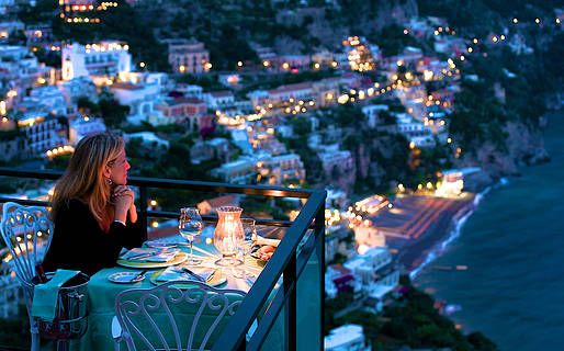 A superb 5 star hotel in the heart of Positano http://www.italytraveller.com/en/z/hotel-le-agavi #ItalyTraveller