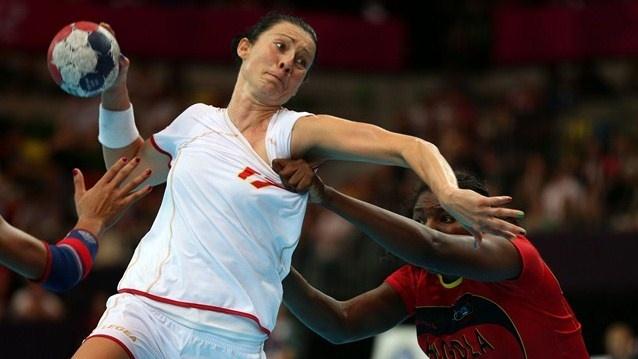 Montenegro's Bojana Popovic in action against Angola. Olympics #Olympics