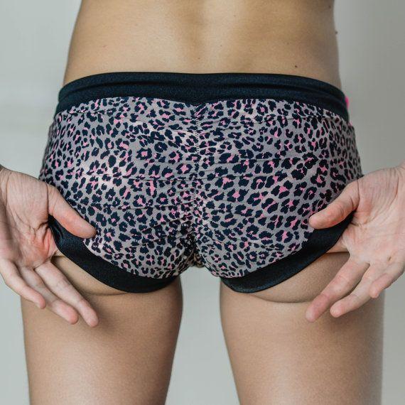 Sexy ruched shorts... yoga... pole dance... beachwear... #siluetyogawear #madewithloveforyou #yoga