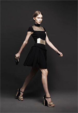 Alexander McQueen ready-to-wear Fall Winter 2013-14 - Vogue.it
