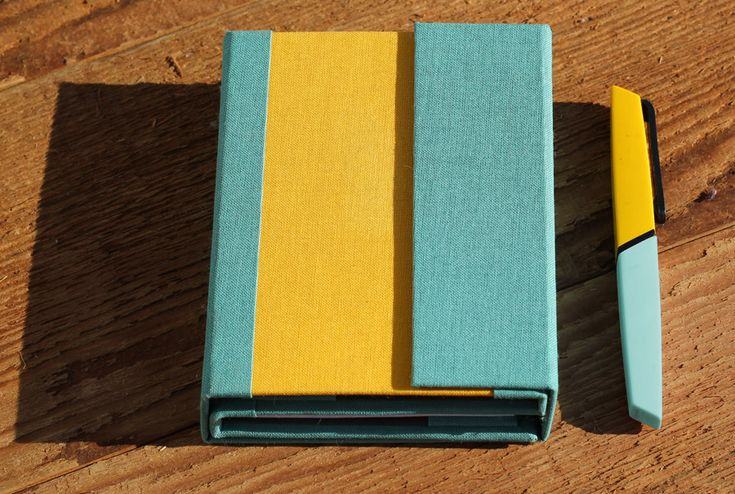 This is the DUO, the semi-final prototype of what will be our notebook system for multi-creative people in a juicy yellow and blue color scheme.