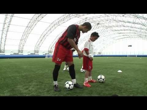 AC Milan Soccer Schools - Skills Lesson 3-  Turns