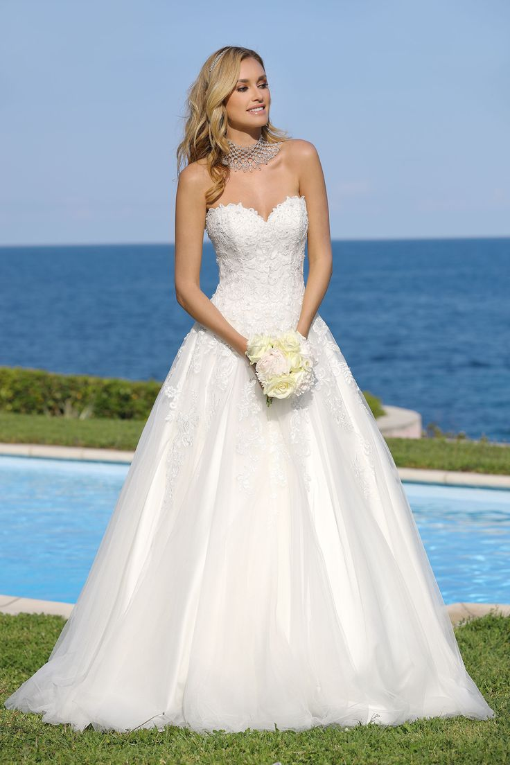 286 best wedding gowns images on Pinterest