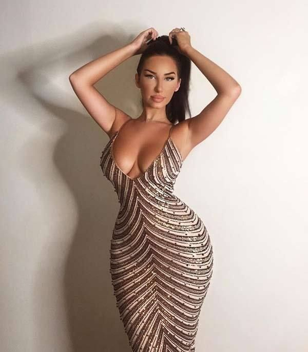 Hot girls with hourglass bodies, sophie howard nude videos