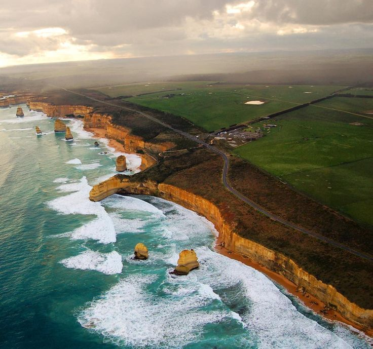 SPECTACULAR coastal views along The Great Ocean Road Marathon make it a world favourite on the list of marathons worth travelling for - right in our own back yard!  You'll have to run a bit further to see the #TwelveApostles ... add it to your bucket list!  by goodness_emporium