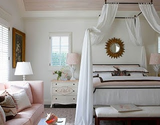 white, pink & brown bedroom: Romantic Bedrooms, Pink Sofas, Palms Beaches, Pink Rooms, Master Bedrooms, White Bedrooms, Canopies Beds, Pink Bedrooms, Girls Rooms