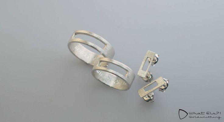 Zilveren Trouwset. Zilveren ringen met een paar oorbellen.