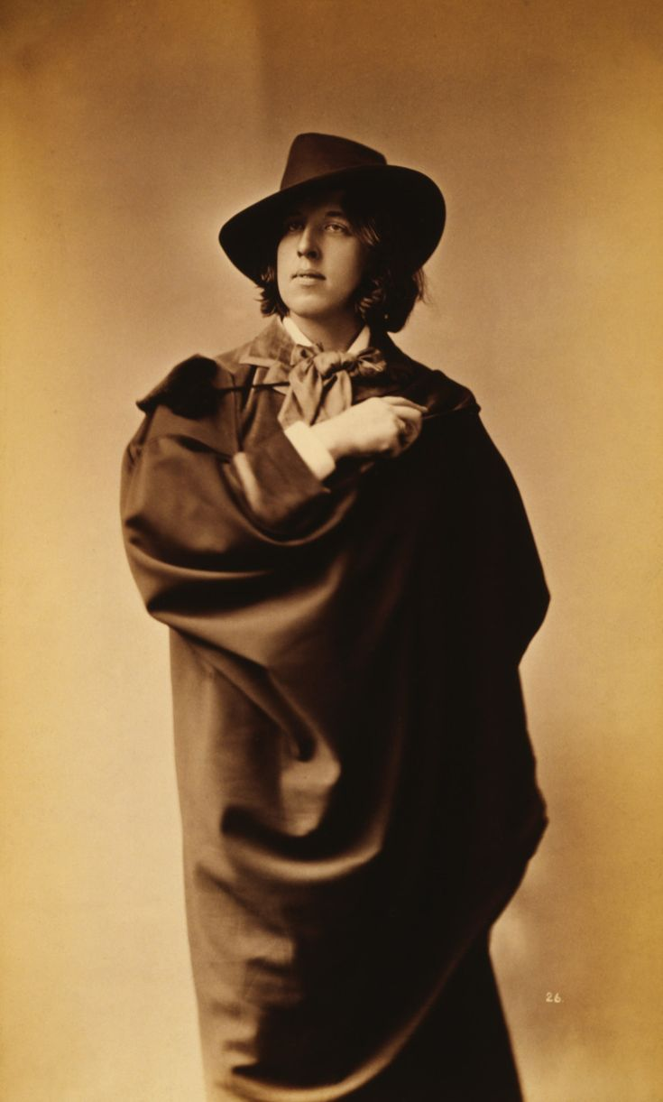 Photograph of Oscar Wilde by Napoleon Sarony.  What drama!