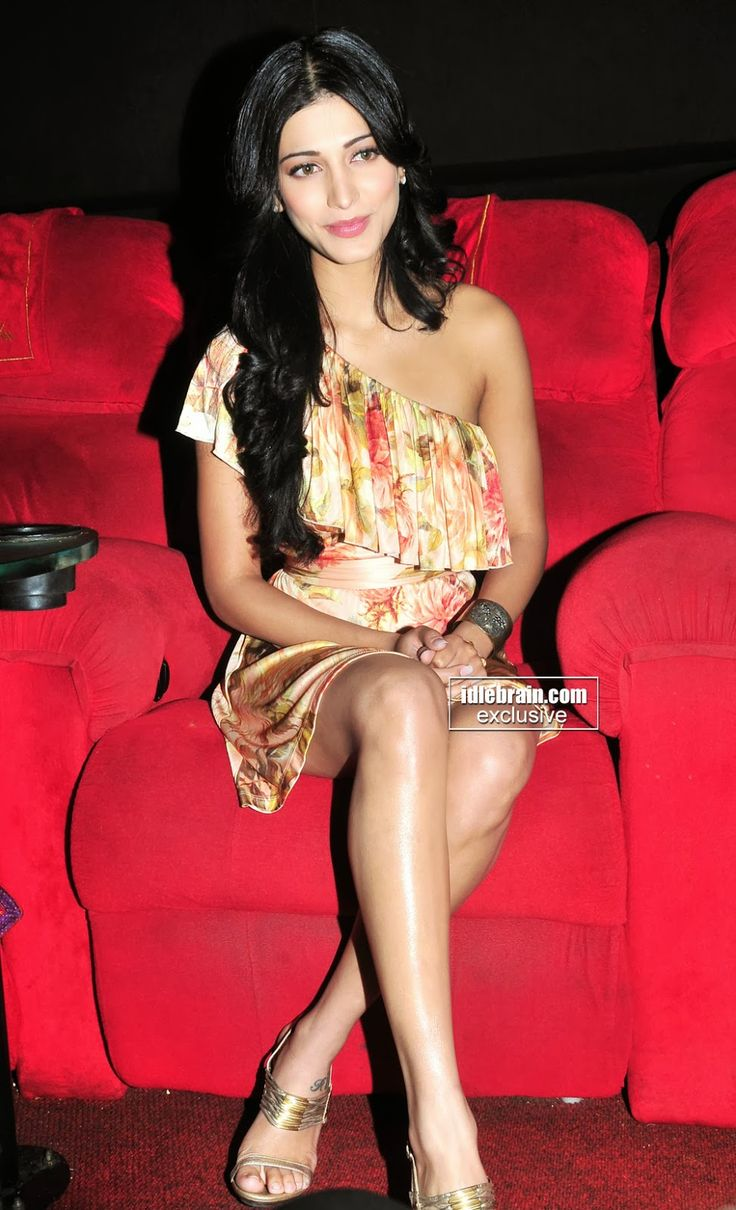 celebrity legs and feets : shruti hassan's hot legs thighs and feets hi res photos