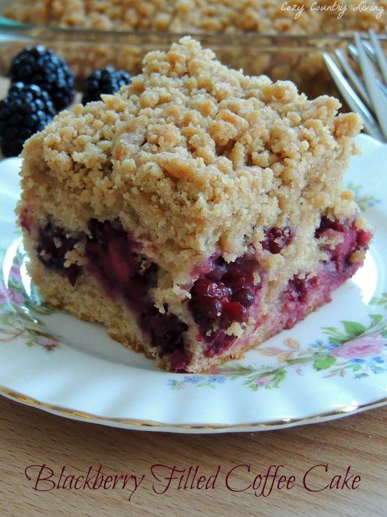 Blackberry Filled Coffee Cake http://www.cozycountryliving.com/blackberry-filled-coffee-cake/ #coffeecake #blackberries #brunch