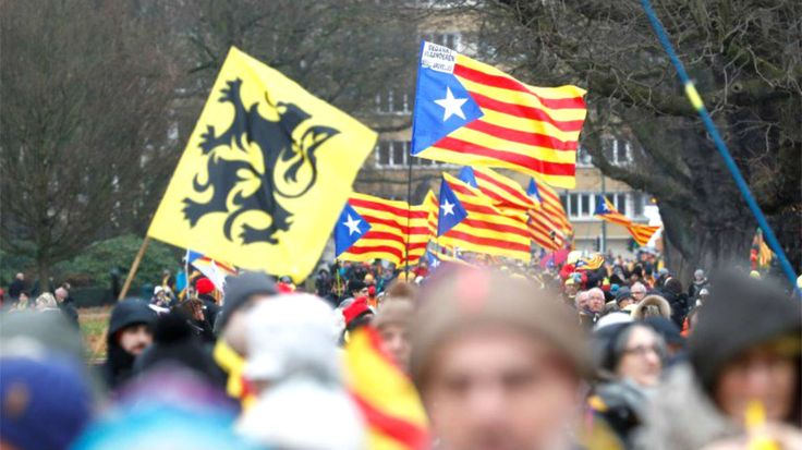 El partido fascista Vlaams Belang fue el único aliado de Puigdemont en la manifestación de Bruselas