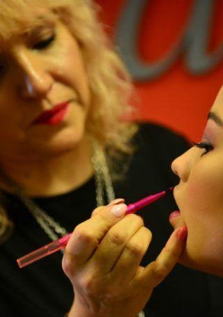 Maquillaje para lucir en la fiesta de egresadas