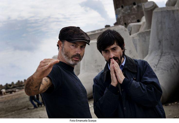 """Ivano De Matteo ripassa la scena con Luigi Lo #Cascio nel suo nuovo #film """" I Nostri Ragazzi"""". #cinema #ivanodematteo #italianmovie #inostriragazzi ."""