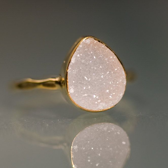 anel com pedra rosa