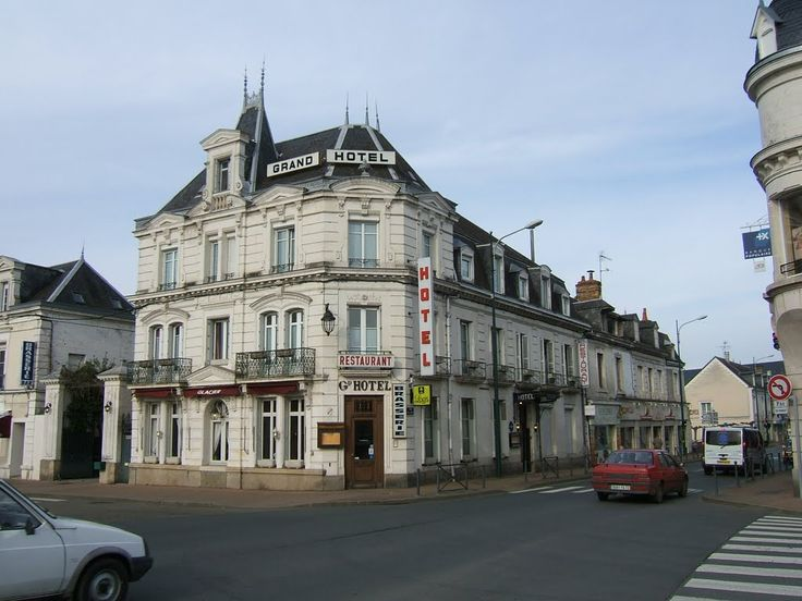 Château-du-Loir, Sarthe. Pop: 4732