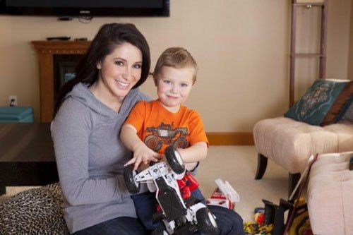 Bristol Palin loses long custody battle after her family reportedly made it difficult for Levi Johnston to see their 7-year-old son, Tripp. - http://wp.me/p4MFYY-Mau