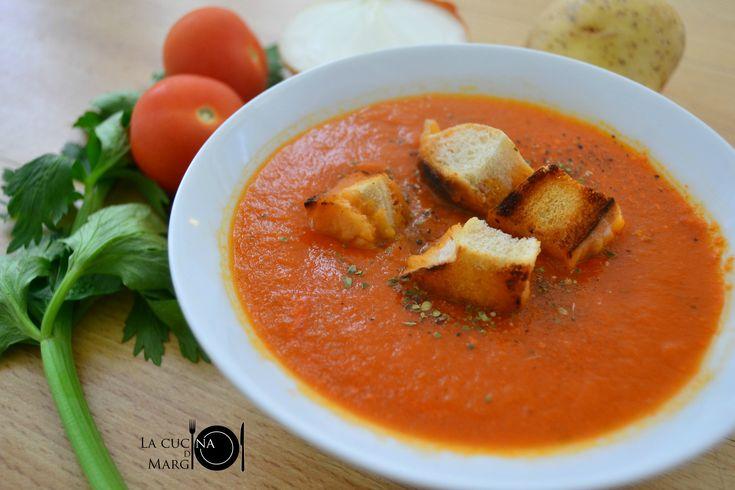 Zuppa di pomodoro - Ricetta con e senza il Bimby
