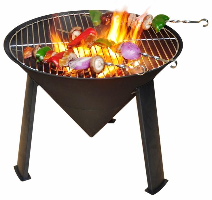 Sol Vuurschaal 2 in 1  -   Een vuurschaal en barbecue in één! Deze Trendy vuurschaal kan eerst worden gebruikt als vuurschaal. Rond etenstijd plaatst u vervolgens eenvoudig het grillrooster op de vuurschaal en kunt u lekker barbecuen. Het is hiermee een geschikte barbecue voor het gehele gezin.    Deze vuurschaal is compact en daarmee ook ideaal voor op vakantie. Hij kan zo mee in de caravan of de auto.    Kortom: Met geweldige vuurschaal voor een aantrekkelijke prijs!      Onze prijs €…