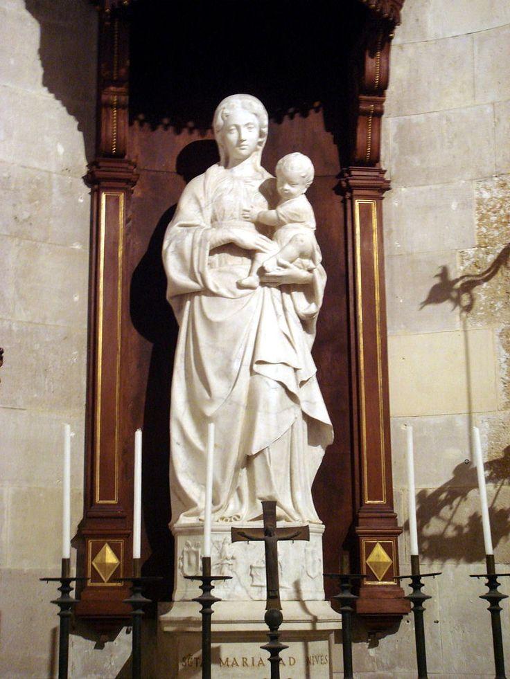 Madonna della Neve statua marmorea 1526 - 1527 A.GAGINI Cattedrale metropolitana della Natività di Maria Santissima di Siracusa