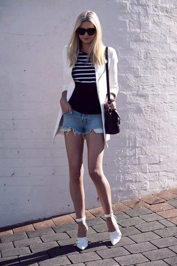 For some of us, the idea of wearing cut-off denim short shorts and heels (during the day, no less) is a little daunting. Place a foot wrong, and you could end up looking rather less than sophisticated. But Jess at Tuula combats any missteps with two additions: one of them she's naturally blessed with (aka, ultra long legs) and the second can be picked up at Zara. Namely, a relaxed tailored jacket that keeps things both casual and smart.