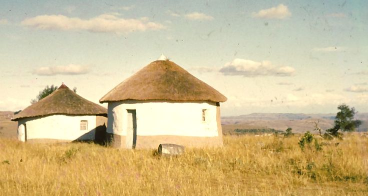 """Vernacular architecture in South Africa  In his brilliant book Frontiers Noël Mostert wrote at length about the African hut:        """"The southern African hut is one of the world's most distinctive habitations. As a practical adaptation to environment and lifestyle it is unsurpassed in its simplicity, in its use of available materials, in its convenience and in its visual cheerfulness, which also makes it one of the most attractive of all human shelters.""""  Xhosa cone-on-cylinder hut."""