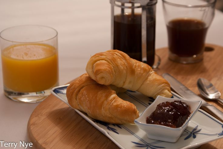 L1M1AS1: Still Life Assignment. Any feedback would be appreciated before I complete Assignment. Auto, Tripod, ISO 200, 1/125, f5.6, using 18-70mm lens. Focus point was end of Croissant.