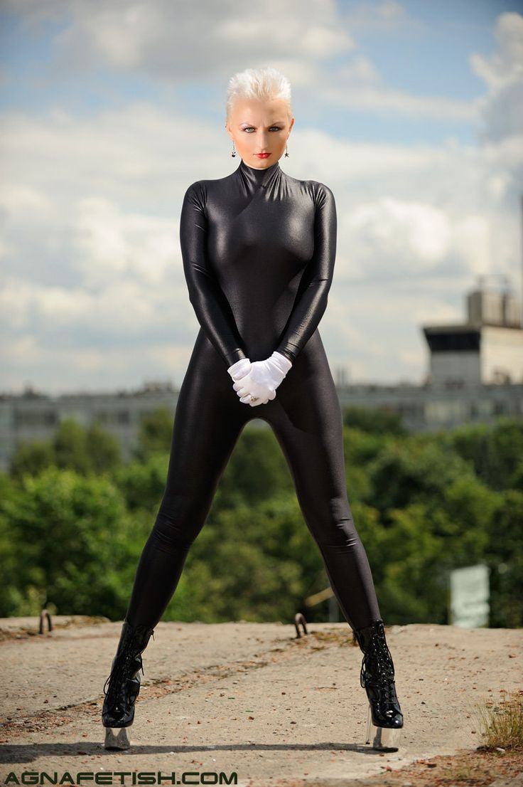 black_spandex_catsuit_08_by_smile_and_cry.jpg (798×1200)