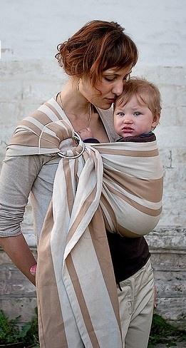 Fascia portabebè ad Anelli Néobulle - Modello Noé.Fascia ad Anelli (o ad Amaca) per portare il proprio bambino dalla nascita al raggiungimento dei 18 Kg circa. Il cotone con cui è confezionata è 100% Okeo-Text, privo di residui chimici.