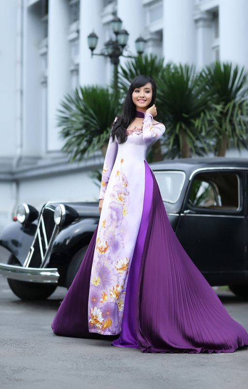 ao dai - love the gown look.
