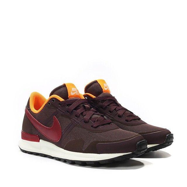 c94d46beaf4b0 Nike Wmns Air Pegasus 83 30  mahogany team red total orange