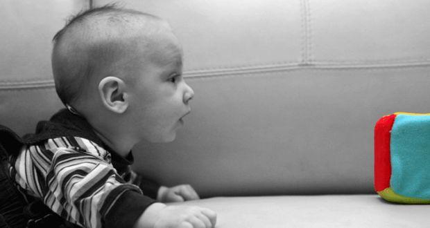 Como ya dije en un post anterior en el que hablaba de juegos para bebés de uno y dos meses, puedes j...