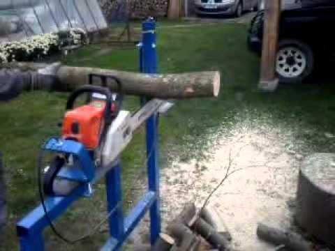 stojan na rezanie dreva, stojan na pilenie dreva, s motorovou pilou stojan na drevo, drziak na motorovu pilu