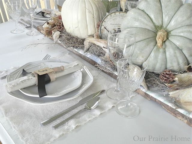 Looking for tablescape ideas? Here are 50 Nature Inspired Thanksgiving Tablescapes filled with rustic elements   UpcycledTreasures.com