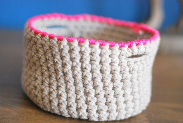 Vide-poche... ou vide-c'que-tu-veux... 'ttention, c'est du crochet!!