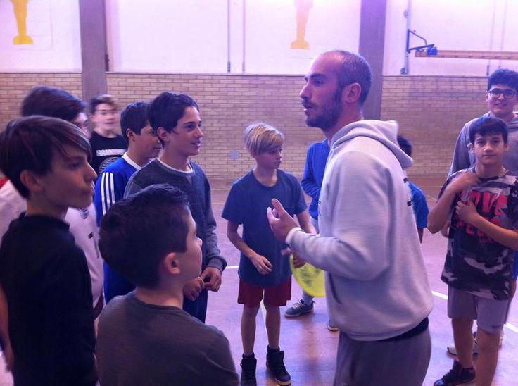 """Progetto """" ULTIMATE FRISBEE A SCUOLA"""" che gli insegnanti di educazione fisica in collaborazione con Libera Società Del Frisbee stanno svolgendo alla scuola Panzini! Lo scopo educativo di tale progetto è avvicinare i ragazzi ad un nuovo modo di """"fare Sport"""" autoarbitrandosi e sensibilizzandoli al fair play."""