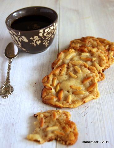 Une recette de cookies à la pâte d'amande, sans gluten sans lactose … Depuis que ma copine m'a ramené un magazine de recettes de cuisine des états unis, je ne cesse de le lire en long en large et en travers. C'est fou comme l'on peut y trouver de sources d'inspiration, tant en terme d'ingrédients,En savoir plus
