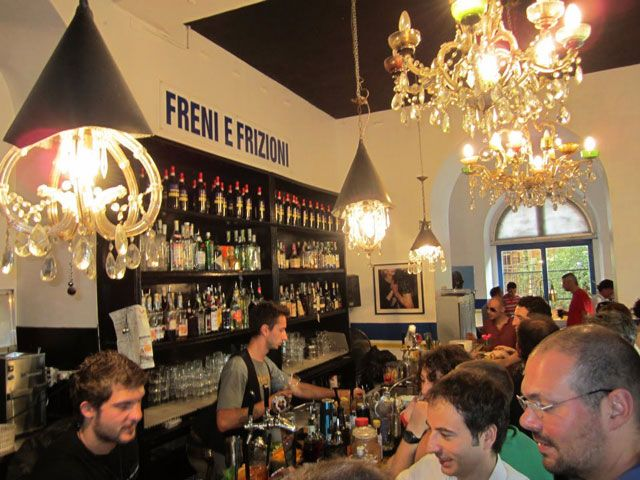 Rome NIghtlife Guide: Best Bars in Rome - freni i frezioni