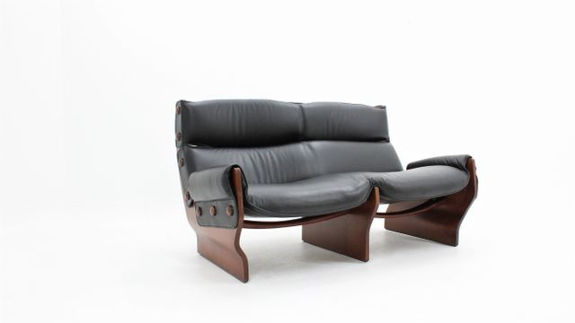 This Rare And High Quality Italian Modern Sofa Was Designed By Osvaldo Borsani For Tecno In 1965 The Model Canada Sofa Is Composed Of Two Sides Mad Italian Sofa