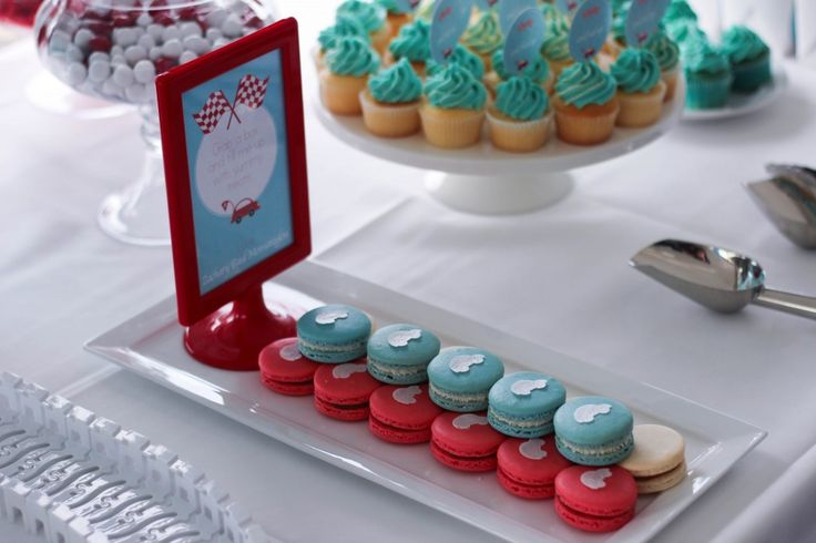 little-red-car-christening-party #macarons