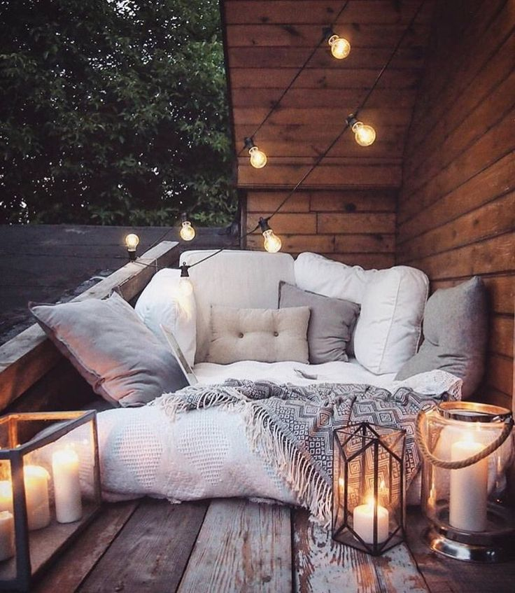 pinterest: chelseashaf This is so beautiful! Outdoor pillow lights