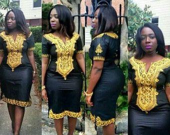 Robe de Aye. Robe africaine. Femme robe noire, broderie or, robe Taille Plus  Élégant col rond. Long zip sur le côté pour louvrir.  Cette très