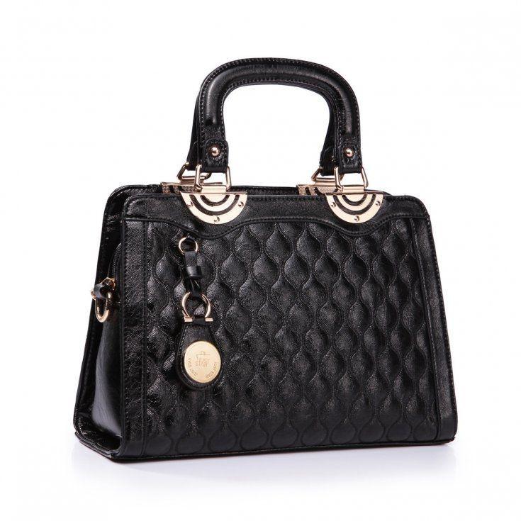 Lakierowana torebka do ręki w kolorze czarnym