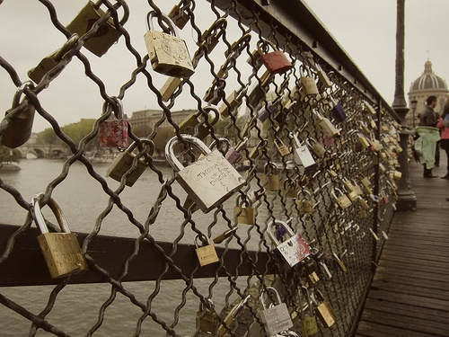 I wish I could get Jack to go to Paris with me and put a lock on the bridge (but he hates the French C'est dommage!)