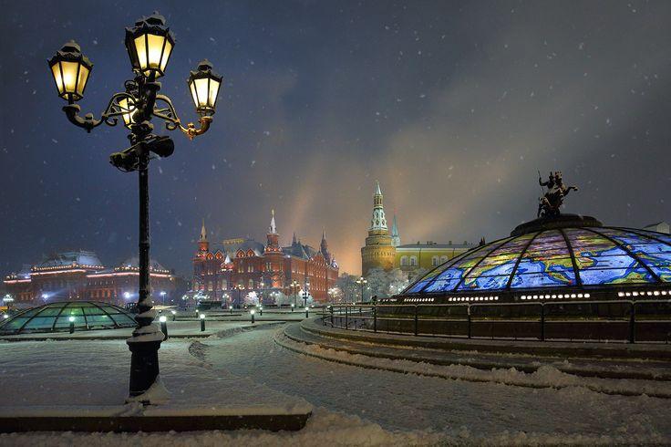 Москва, вечер, Манежная, зима, снегопад