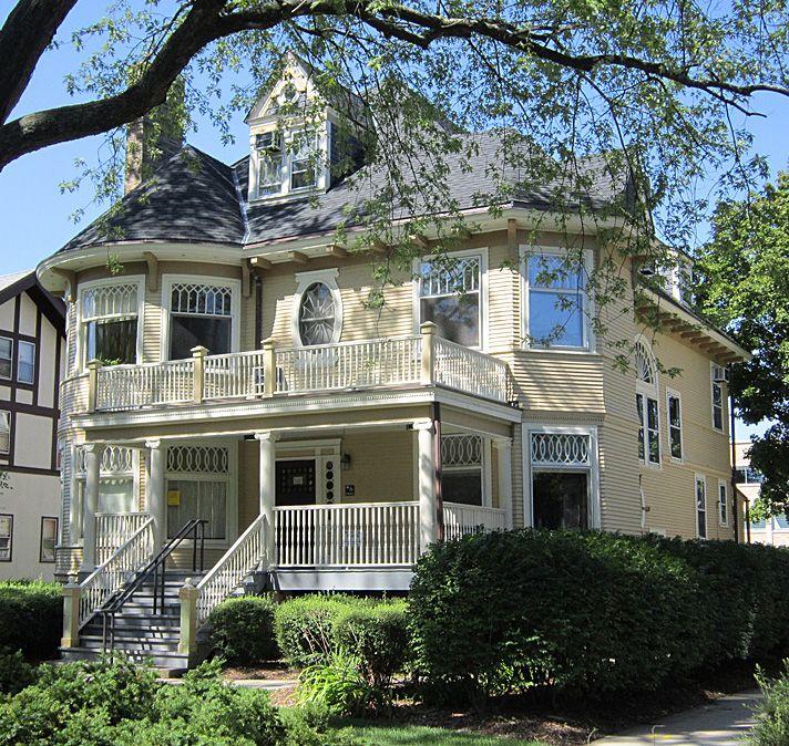 Queen Anne house - Evanston, IL (Dave's Victorian House Site - Evanston Gallery)