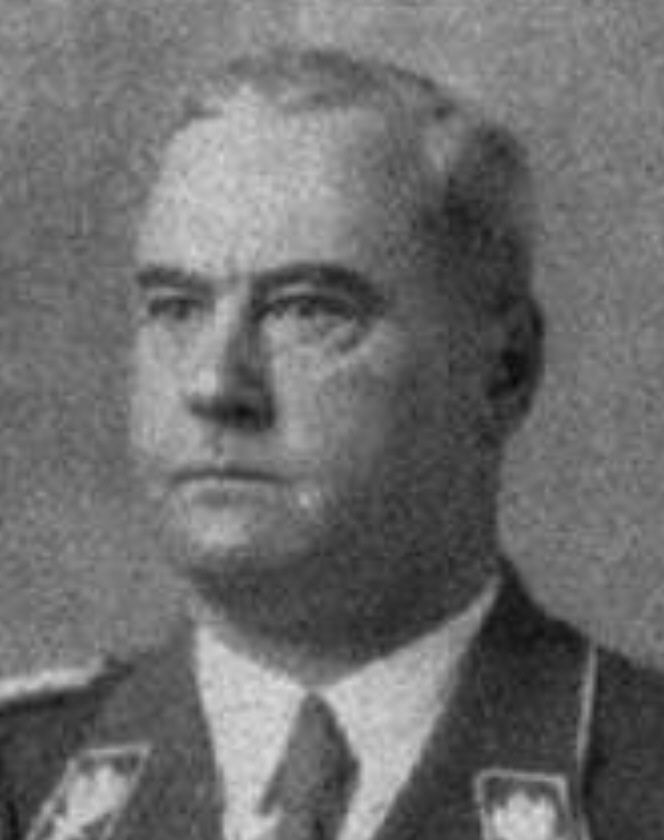Wilhelm Schmid (* 3 June 1889 in Munich , † 30 June 1934 in Stadelheim ) was a German politician ( NSDAP ) and SA -leader. Schmid sat from 1933 to 1934 as a deputy in the Reichstag .